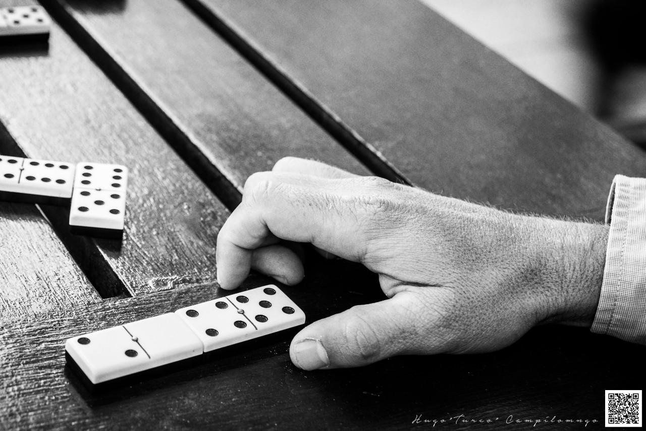 Domino mano