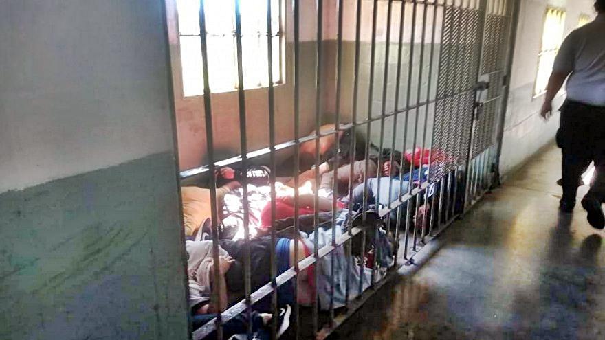 Las condiciones de las comisarías y lugares de encierro en Argentina son inhumanas